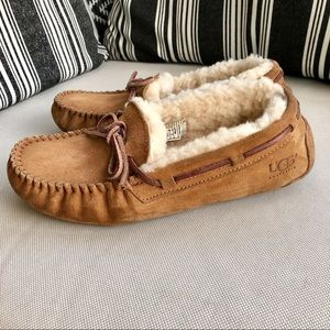 UGG Dakota Slippers Size 6